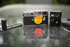 Leica M M9  - Steel Grey Paint, Boxed with Handgrip & 3 batteries