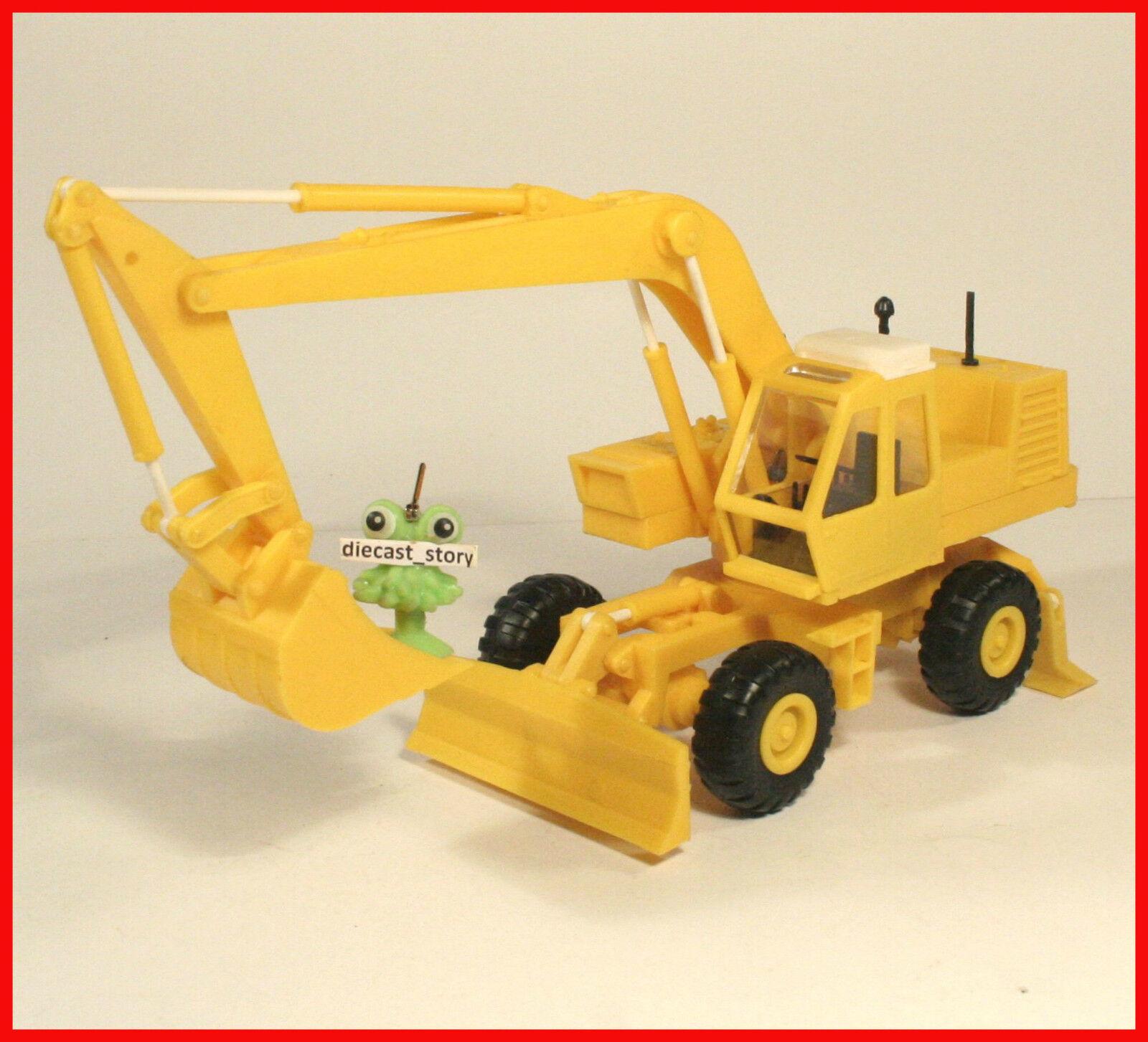 1 43 Excavator ATEK EO-4321 russian Traktor UdSSR USSR tractor DDR