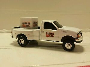 Details about 1/64 CUSTOM Ford f350 golden sun dealer truck w/ feed pallet  ERTL farm toy