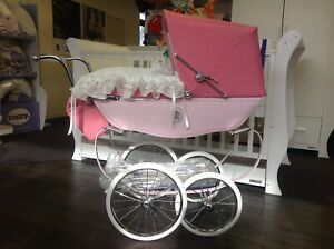Baby/'s Pram set in white and navy to fit silver cross and coach built prams