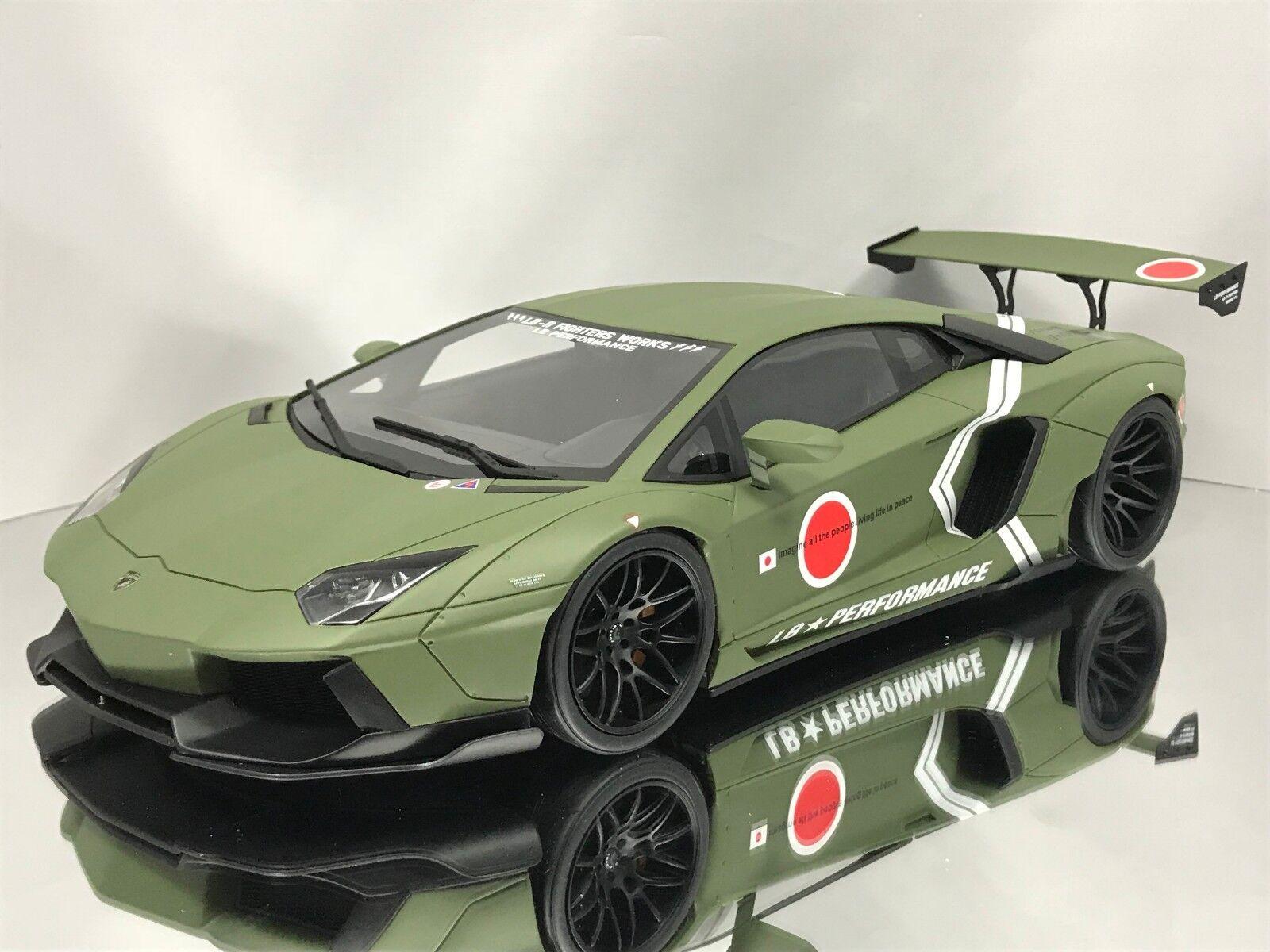 miglior servizio GT Spirit Spirit Spirit   Kyosho LB Perforuomoce Lamborghini Aventador LP 700-4 Army verde 1 18  vanno a ruba