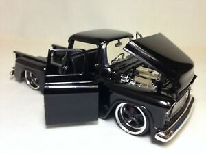 1955-Chevy-Stepside-Pickup-Truck-8-5-034-Diecast-1-24-Collectible-Jada-Toy-Black