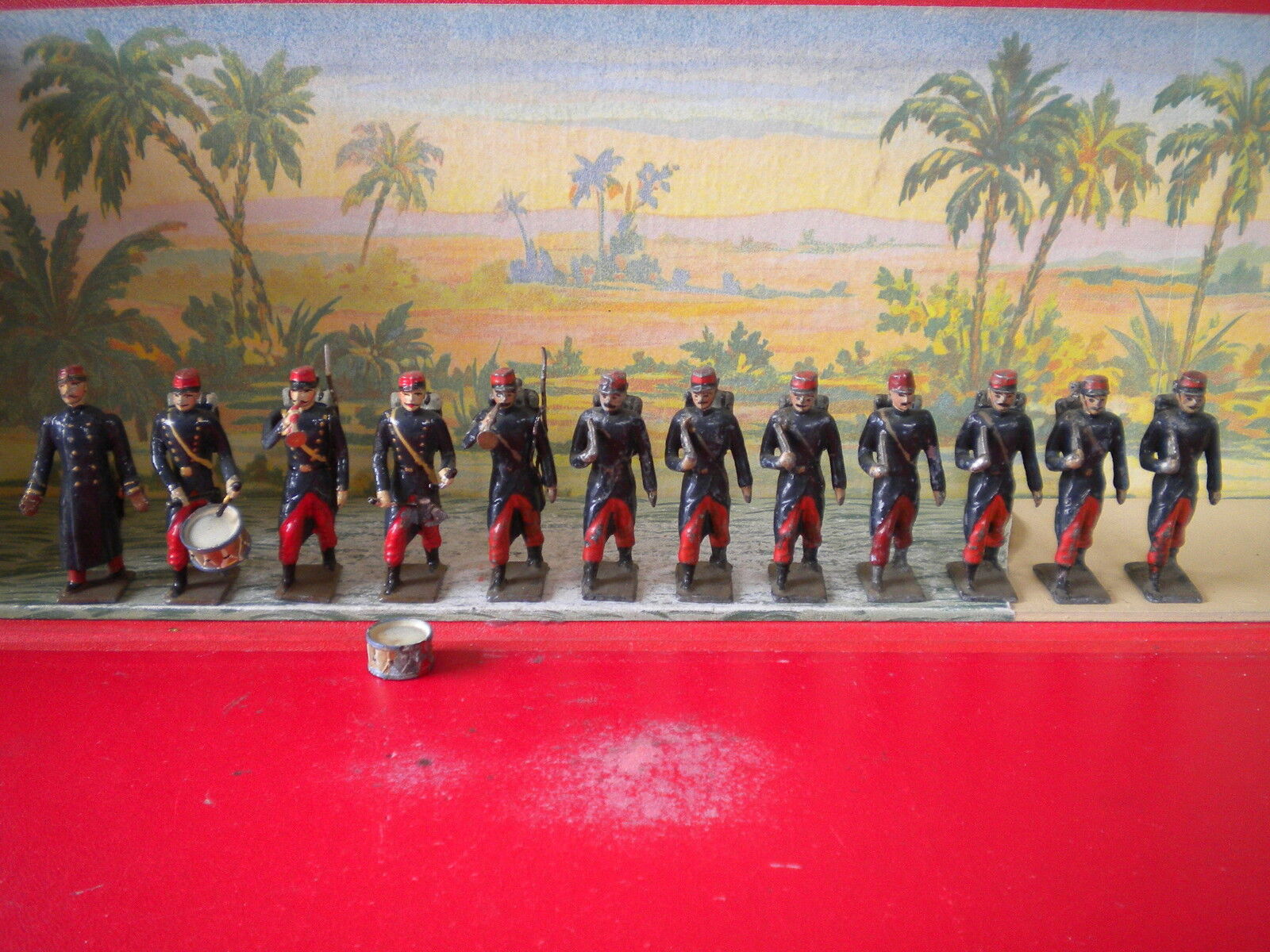 CBG MIGON ANTIEN ('), ¡12 SOLDATS D INFLANTERIE DEFILANT III