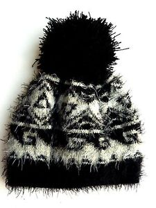 ZARA Girls Kids BLACK GREY Geo Fairisle Knitted Winter Beanie Pom ... 508006b58d4