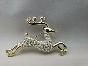 Vtg-Monet-Clear-Rhinestone-Gold-Plated-Reindeer-Brooch