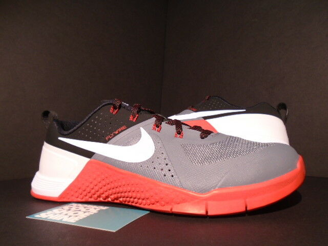 2015 NIKE METCON 1 CROSSFIT COOL GREY WHITE BLACK UNIVERISTY RED 704688-016 DS 9