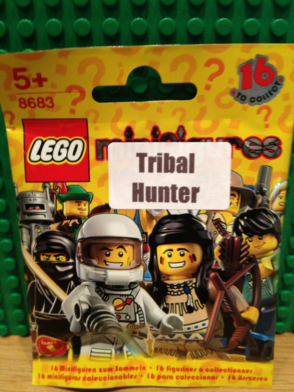 LEGO 8683 SERIES 1 .TRIBAL HUNTER BRAND NEW SEALED