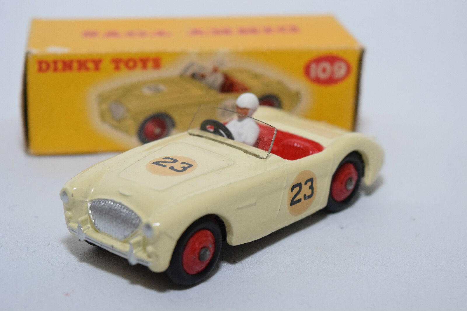 P Dinky Toys 1109 austin healey 100 Sports Cream Mint Boxed rare raras