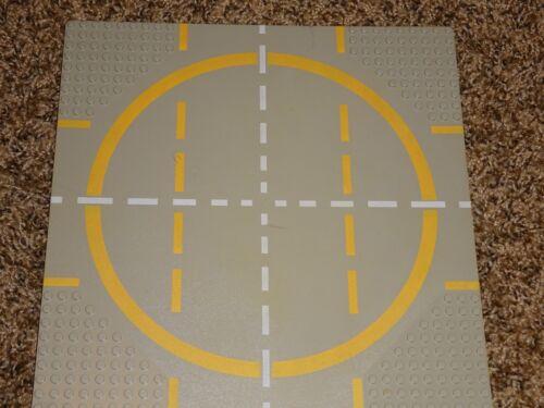 "LEGO 32x32 Grey BASE PLATE road race track 10/""x10/"""