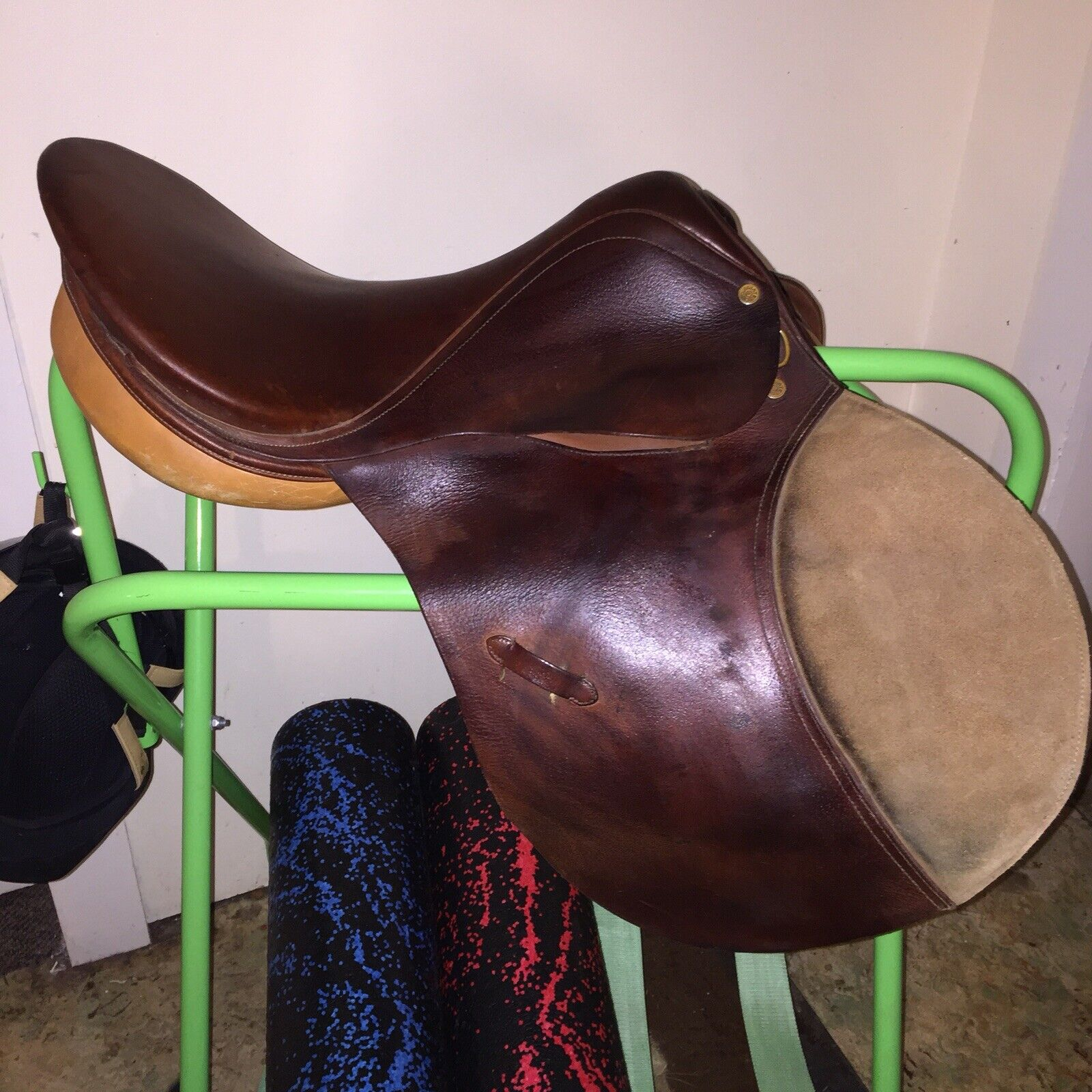 Collegiate AP, close contact english saddle 17 . Sold w out irons leathers