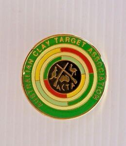 VINTAGE-AUSTRALIAN-CLAY-TARGET-ASSOCIATION-METAL-BADGE-LAPEL-LAPEL-HAT-PIN-MEDAL