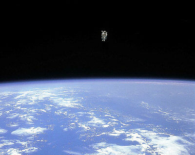 Honest Nasa Bruce Mccandless Space Walk Orbital View 11x14 Silver Halide Photo Print