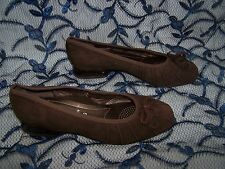 Size 3.5 brown suede low heel shoes from Rene by Ara