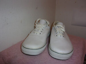 brand new men's hanes enersole white leather casual