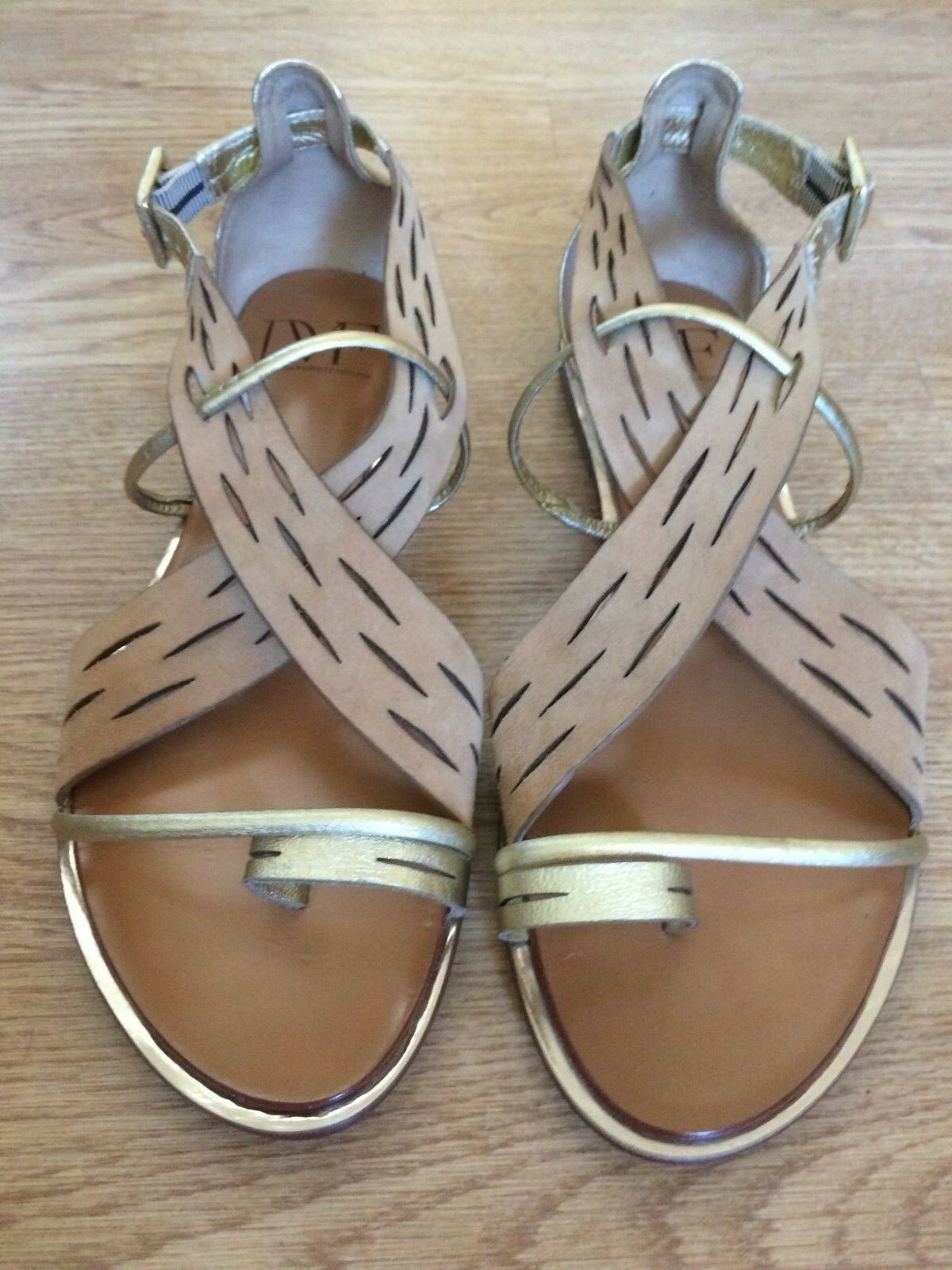 DVF Flat Sandale/Grecian Style/Tan Gold/Authentic/New