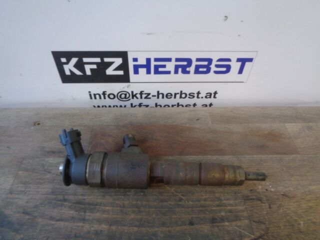 Injecteur Peugeot 308 0445110340 1.6HDi 68kW 9H06 DV6DTED 97673