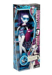 Monster-High-SWIM-CLASS-Spectra-Vondergeist-Doll-EXCLUSIVE-Rare-Beach-Fashion