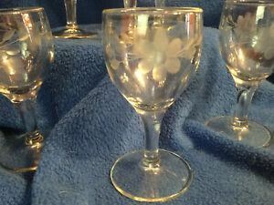 6-Floral-Etched-Aperitif-Digestif-or-Liqueur-Glasses-4-034-Tall-2-Ozs-GUC