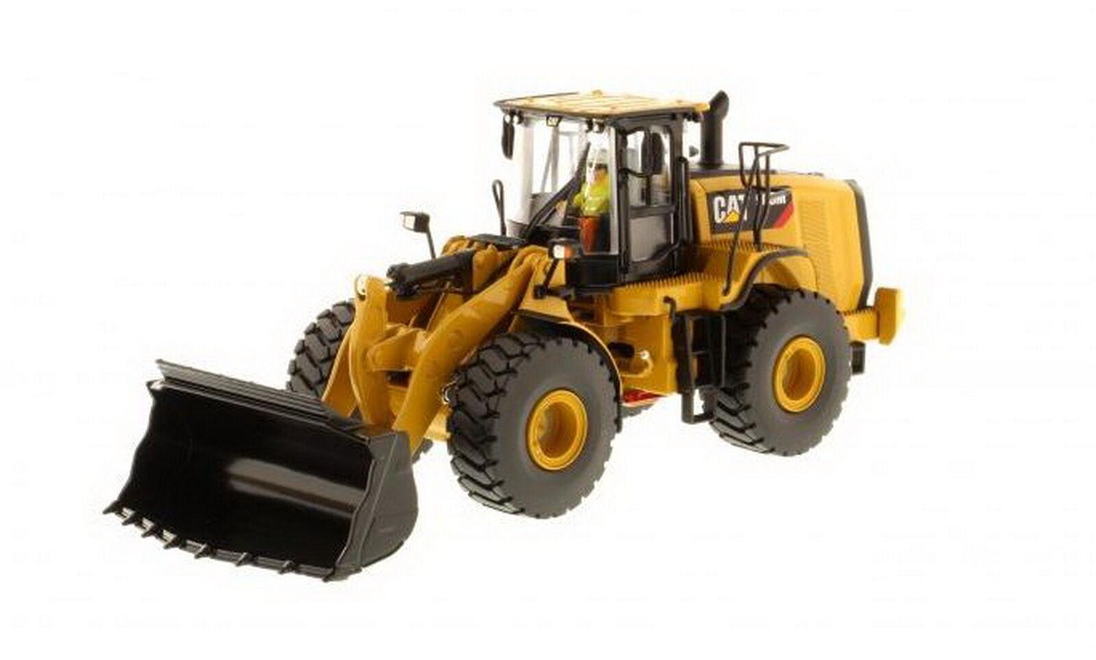 1 50 DM Caterpillar Cat 966M Wheel Loader Diecast Model
