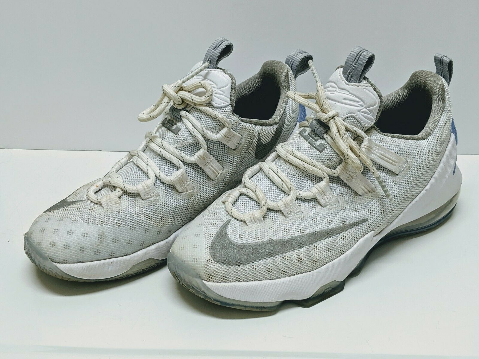 Nike Lebron James Xiii Low Gs 13 Size 5 Youth Basketball 834347 100 White Gray For Sale Online