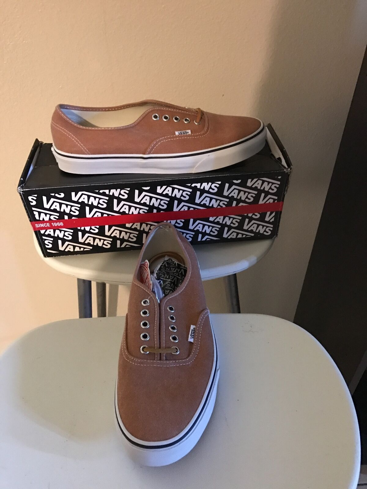 New vans different size 10 come with box different vans colors and styles ab7285