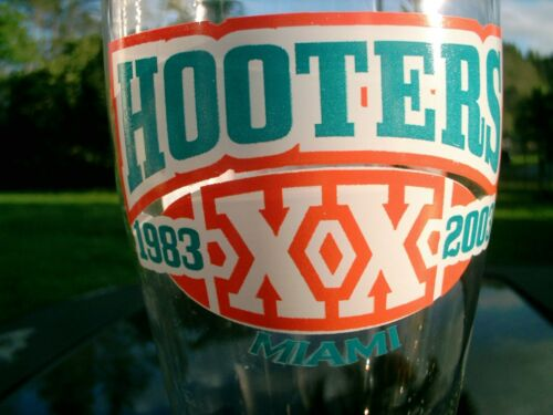 HOOTERS 1983-2003 XX MIAMI  LOGO  9.5 IN BEER GLASS  NICE SOUVENIR