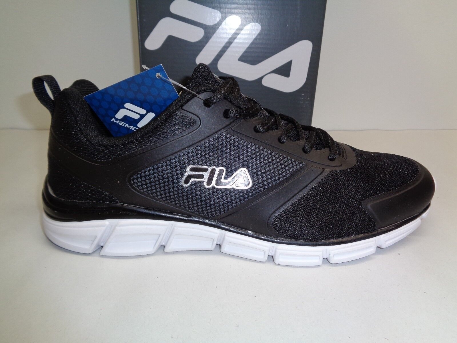 Fila Size 11 MEMORY STEELSPRINT Black Training Athletic Sneakers New Mens Shoes