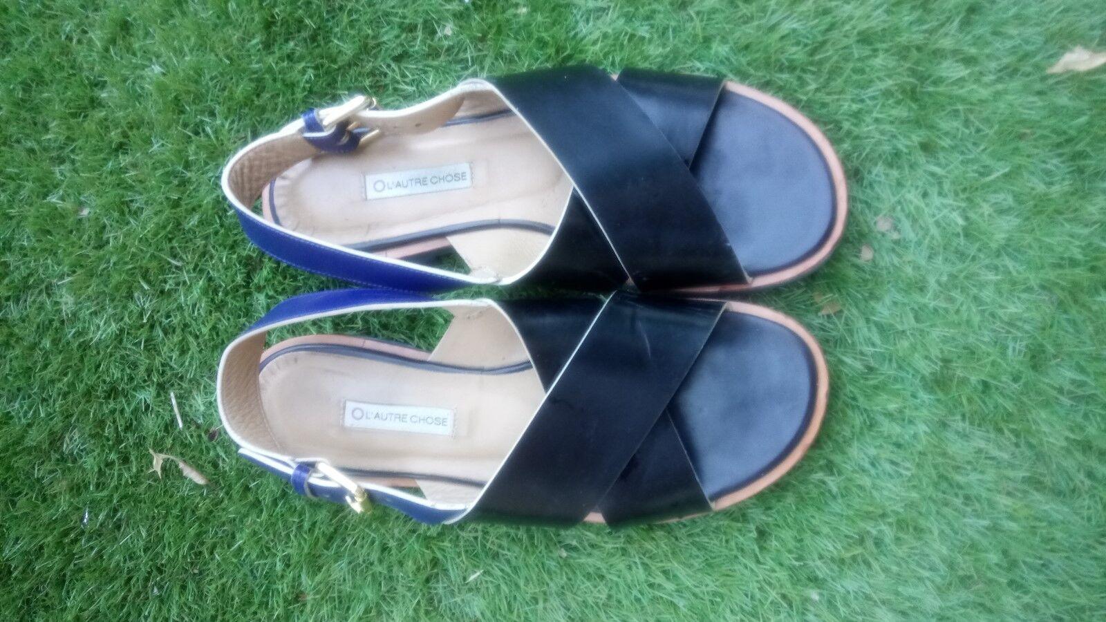 Sandale cuir L'AUTRE CHOSE croisées marine et noir P. 39 valeur  .