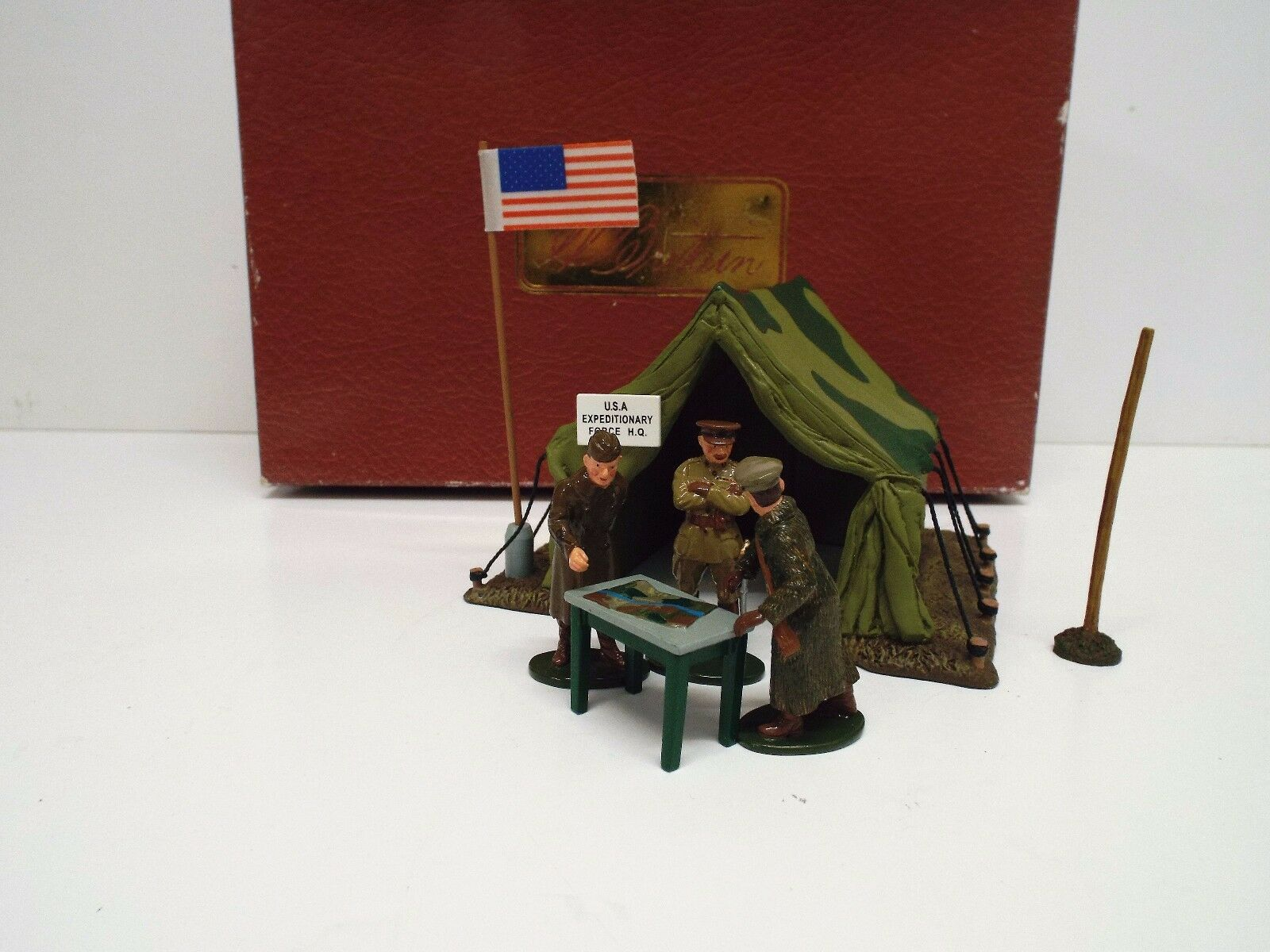 BRITAINS 41106 U.S. LEADERS SCENE 3 FIGS TENT FLAG BOXED (BS2147)