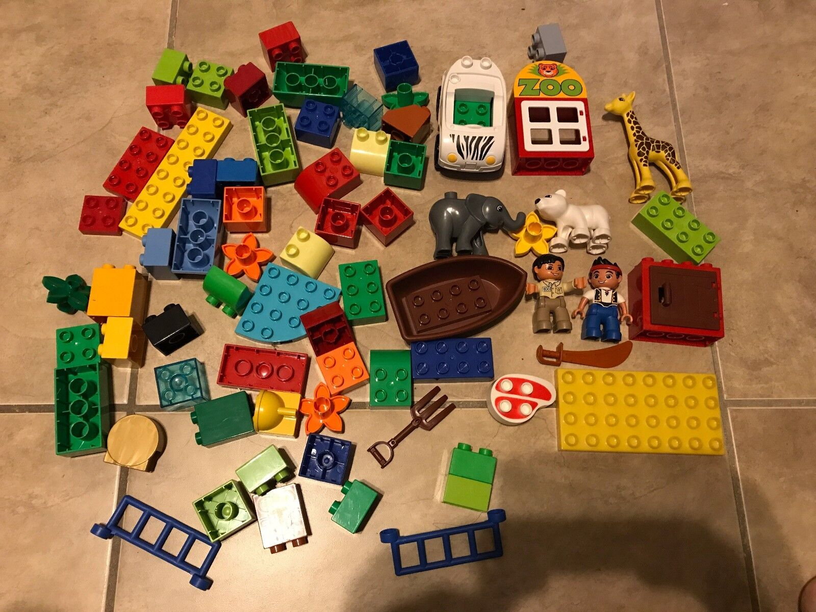 HUGE LOT 96 pc Lego Duplo From Zoo & Pirate Ship Sets w  Figures Animals Car