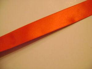 ruban-satin-double-face-coloris-rouge-N-25-largeur-25-mm-longeur-3-metres