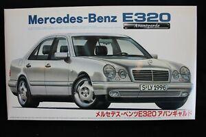 Fujimi Mercedes-Benz E320 Avantgarde 1:24 (JS)