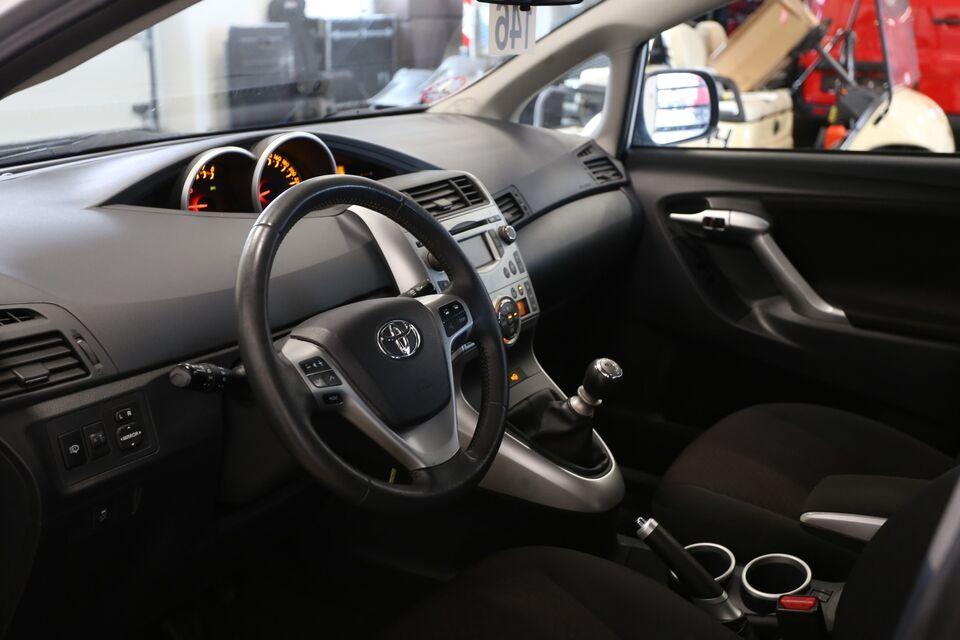 Toyota Verso 1,8 TX 7prs Benzin modelår 2012 km 199000