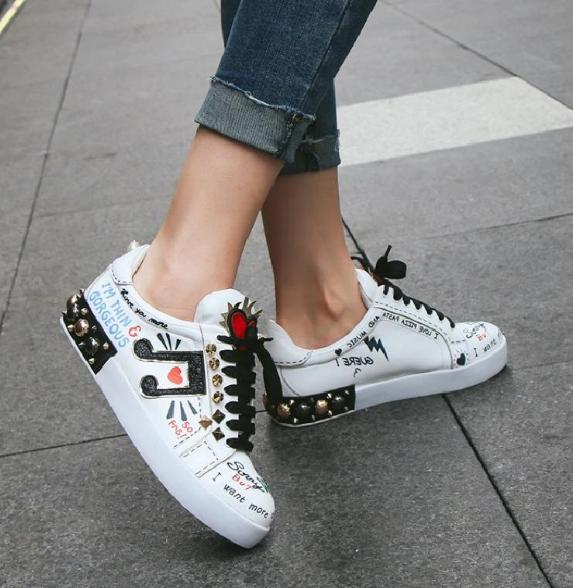Para Mujeres Zapatos Planos De Tablero De Cuero Real Remache Remache Remache Punk Con Cordones casual Moda Tenis  precio al por mayor