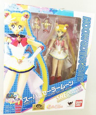 BANDAI S.H.Figuarts Super Sailor Moon Action Figure SailorMoon Japan IN STOCK