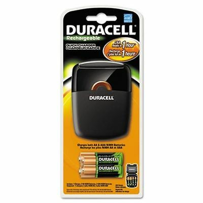 Duracell Rechargeable Quick Charger With 4 Batteries  AA / AAA   BRAND NEW