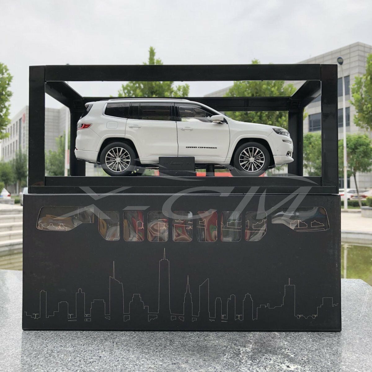 Diecast Car Model All New Jeep Grand Commander 1 18 (White) + GIFT