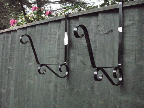 !!NEW! Pair of TROUGH BRACKET Over the Fence Post /& Panel Scroll Design Hook