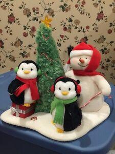 Hallmark-2006-Jingle-Pals-Musical-Animated-Very-Merry-Trio-Snowman-amp-Penguins