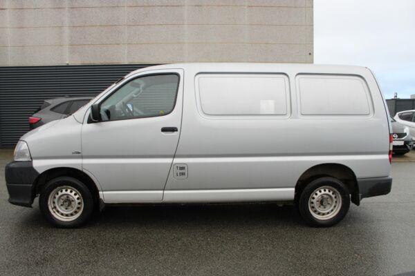 Toyota HiAce 2,5 D-4D 95 kort - billede 2