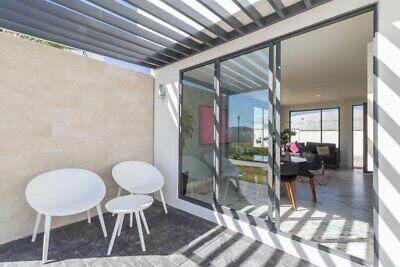 BUSCAS ESPACIOS AMPLIOS?  122m² Habitación Principal con Vestidor, 3 PISOS SOBRE AUTOPISTA