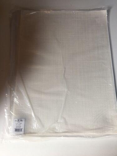Mist Made In USA Table Pad Mini Basketweave 38x48 cm Light Grey White Matcha