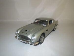 Autoart-Aston-Martin-DB-5-gris-metalizado-1-18-sin-embalaje