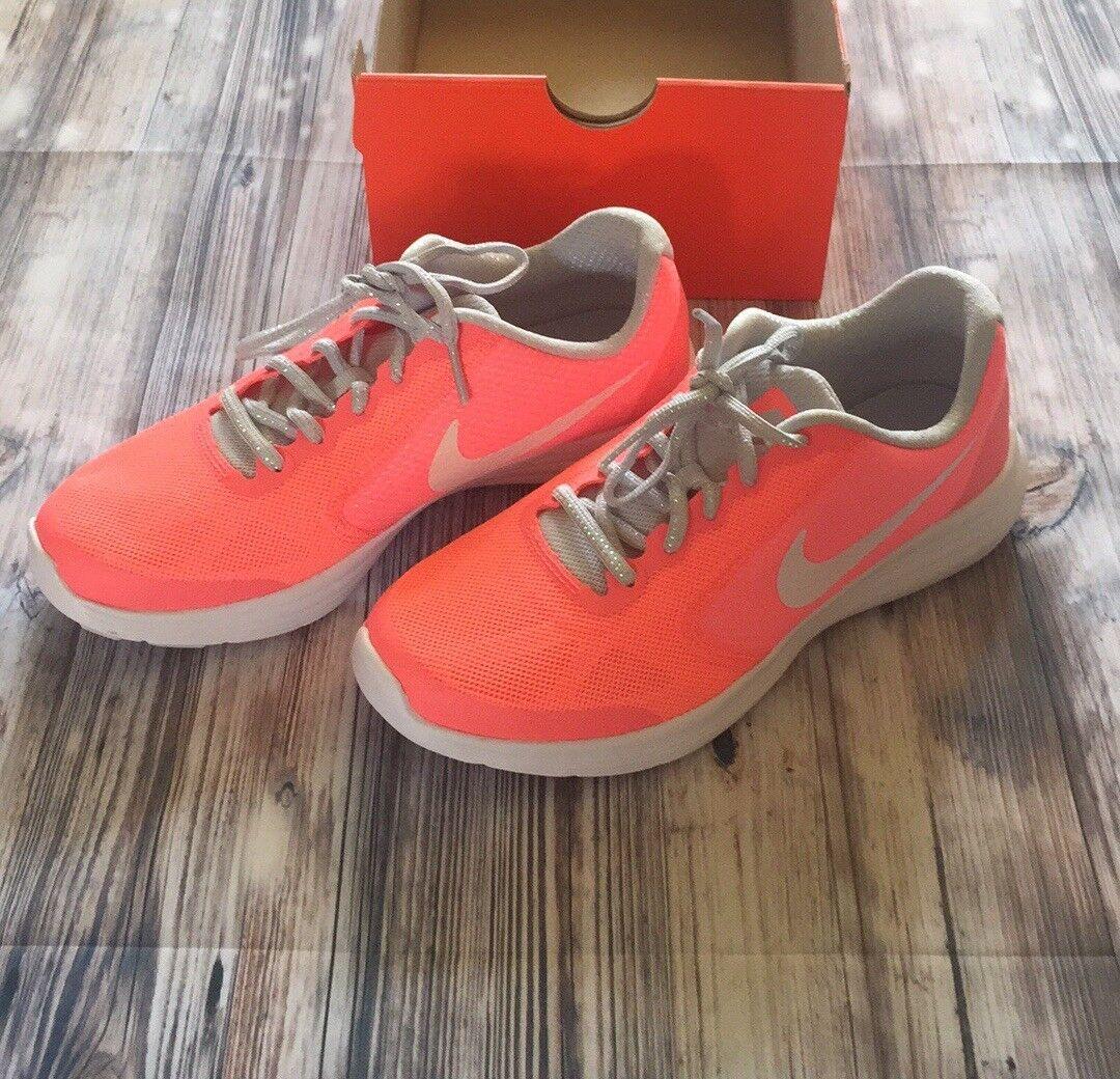 Nike Revolution Revolution Revolution 3 SE Neon orange shoes a7e040
