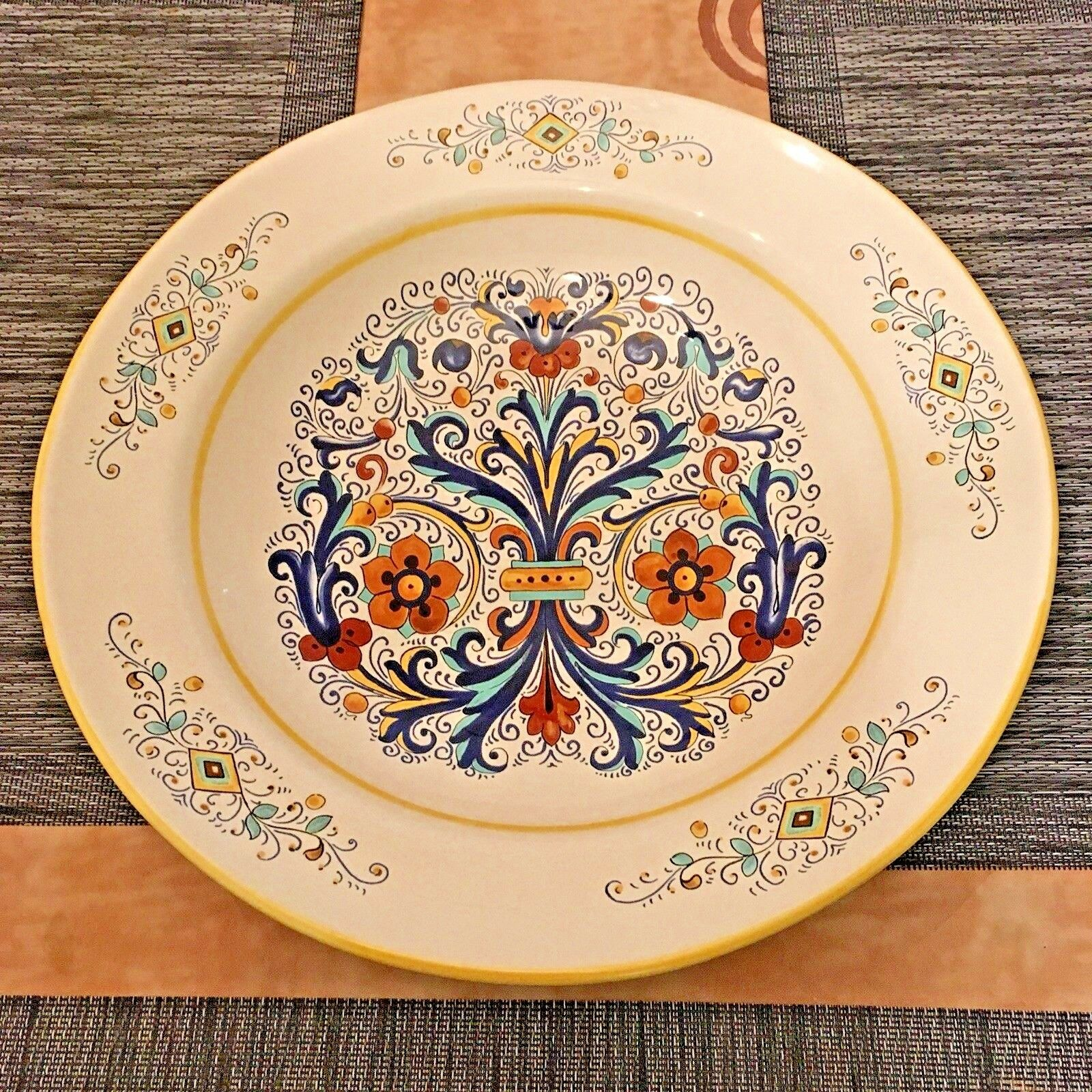 "DERUTA Deep Salad-Pasta Serving plate - 15"" - Nice Condition - Made in ."