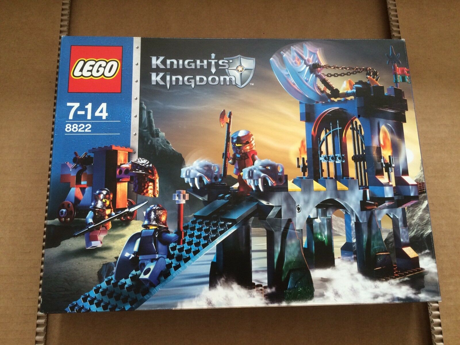 8822 Lego Castle  Knight Kingdom II - - - Gargoyle Bridge - Used 001f63