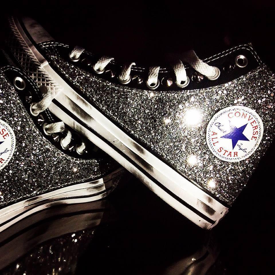 converse glitter all star nera con glitter converse piu' borchie piu' sporcatura fe31ec