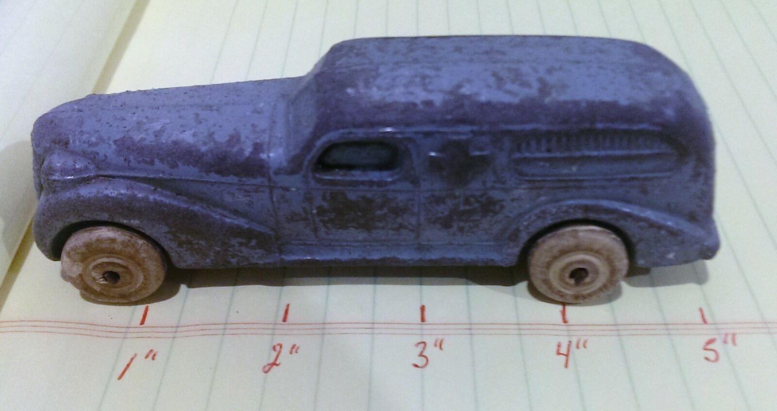 VINTAGE 1940's DIECAST SLUSH METAL ART DECO AMBULANCE CAR BARCLAY