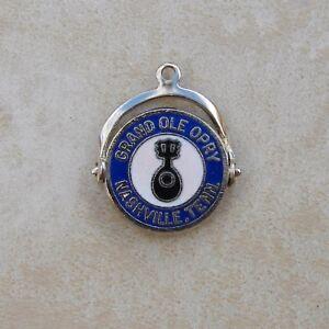 Silvertone-Grand-Ole-Opry-Nashville-Tennessee-Bracelet-Charm-Music-Spinner