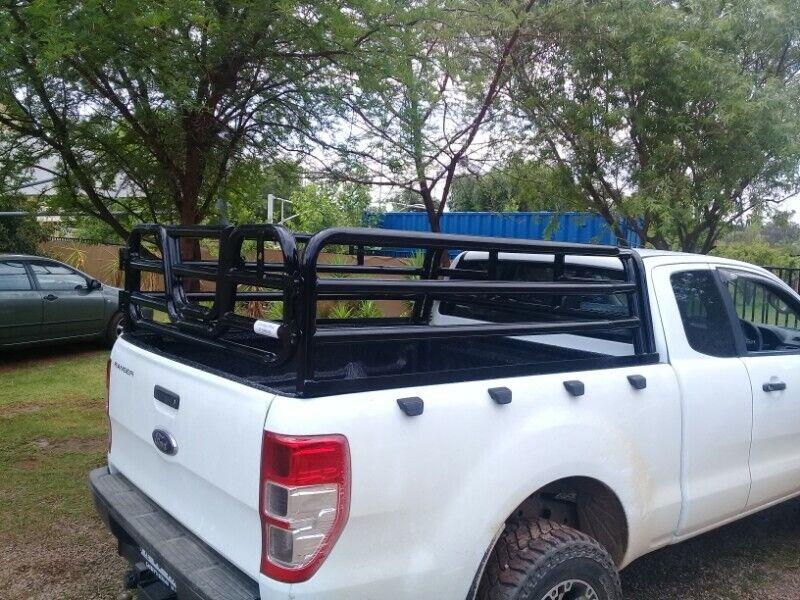 Ford Ranger tralie/ cattle rails